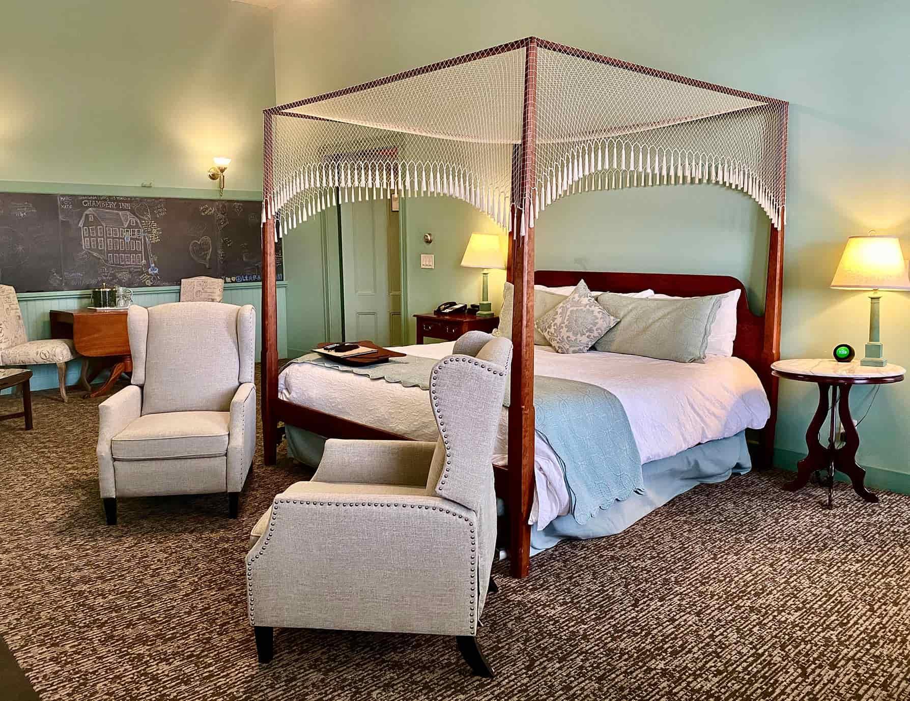 Warmly-lit Petit Palais room - Lenox, MA Inn