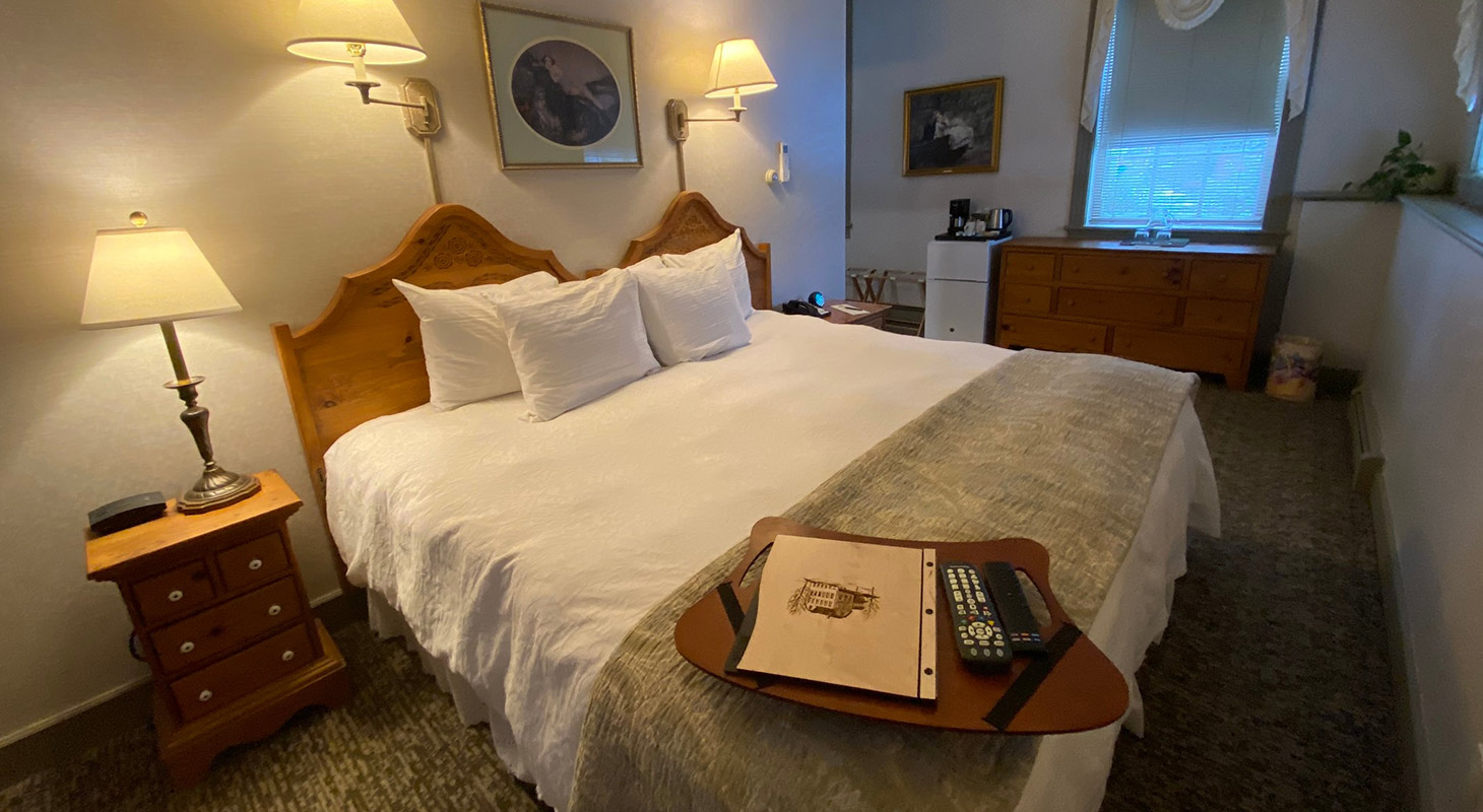 La Chambrette room bed