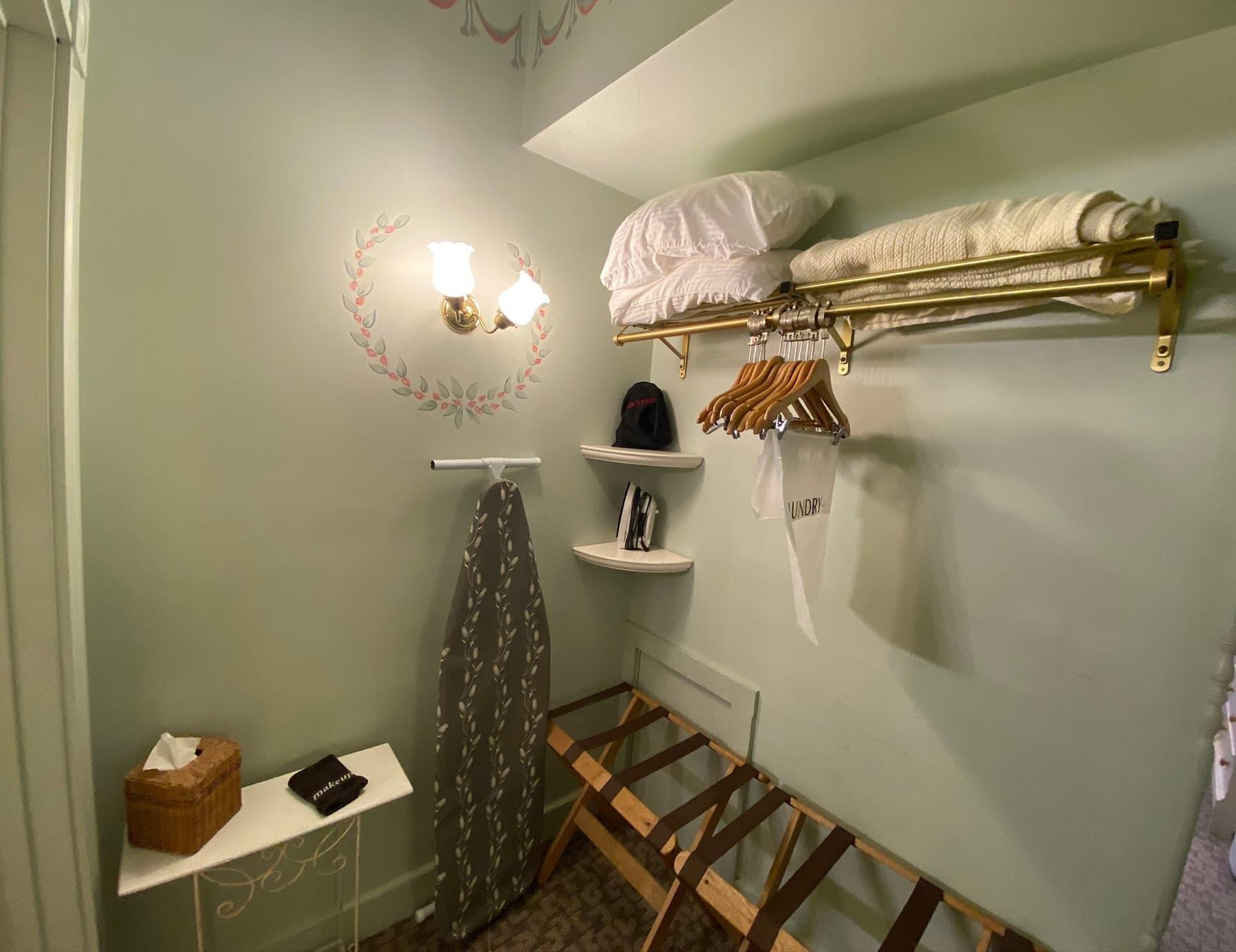 La Savoie Deluxe room closet