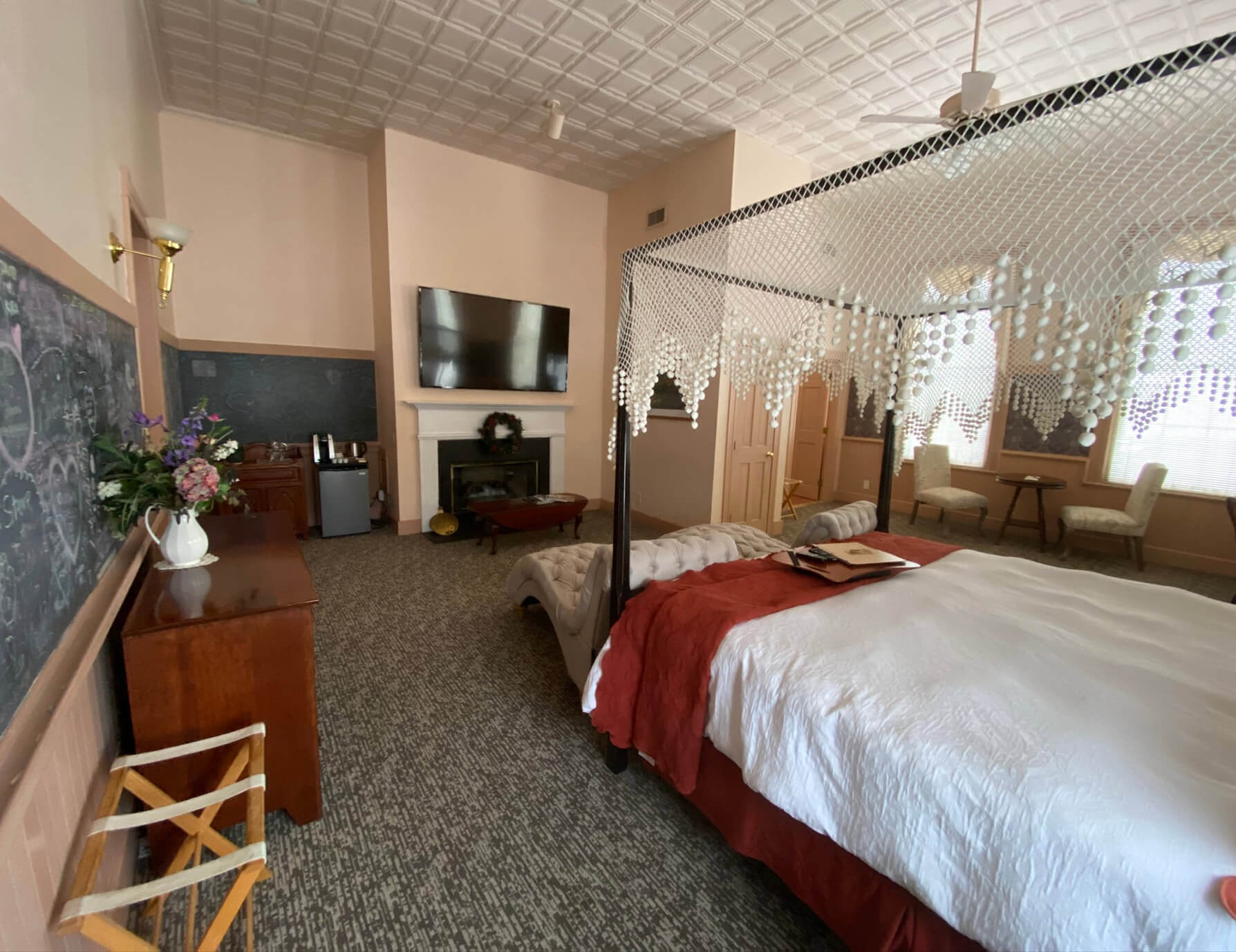 Le Lycee room - place to stay near Tanglewood