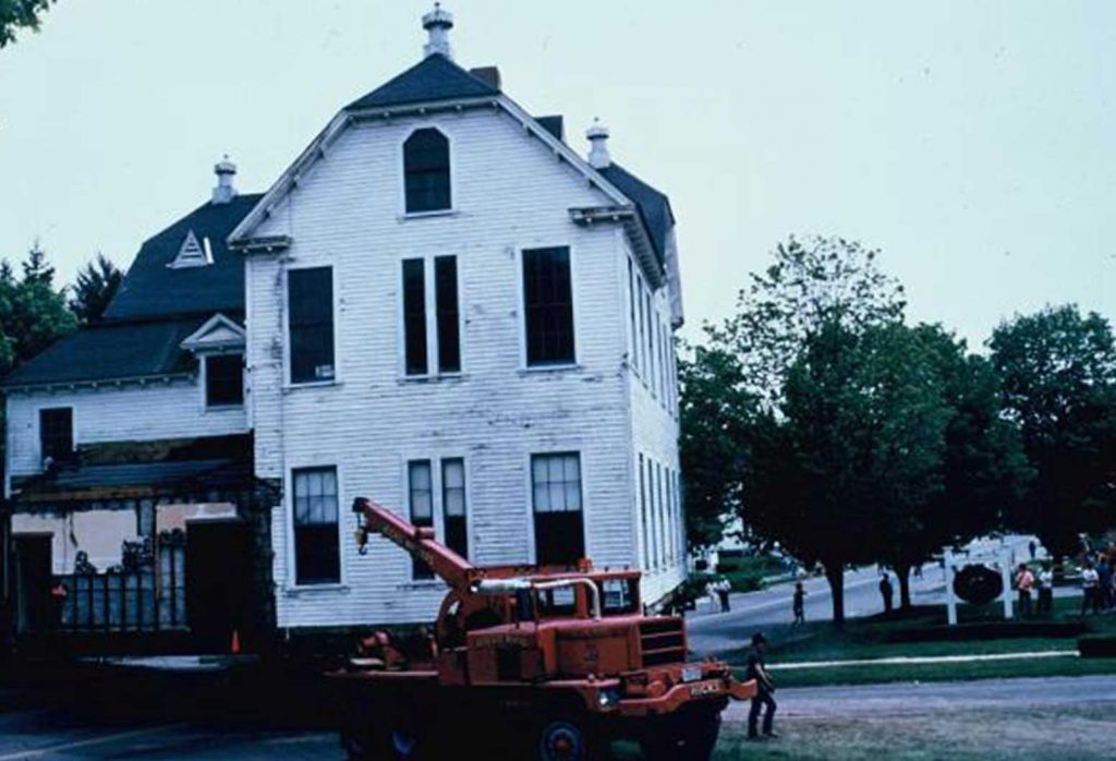 Chambery Inn Being Moved to a New Location