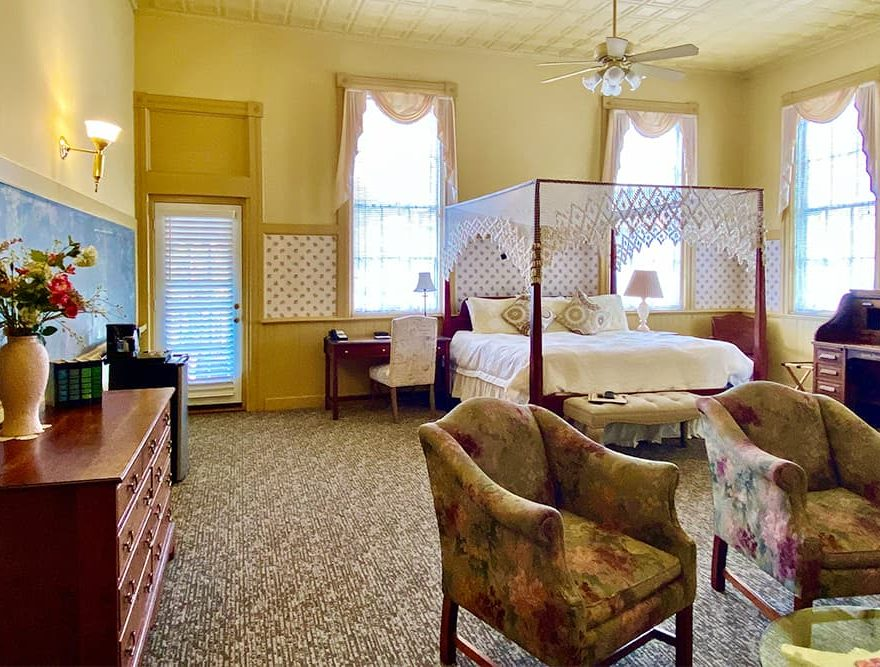 L'Aubusson Lodging in the Berkshires