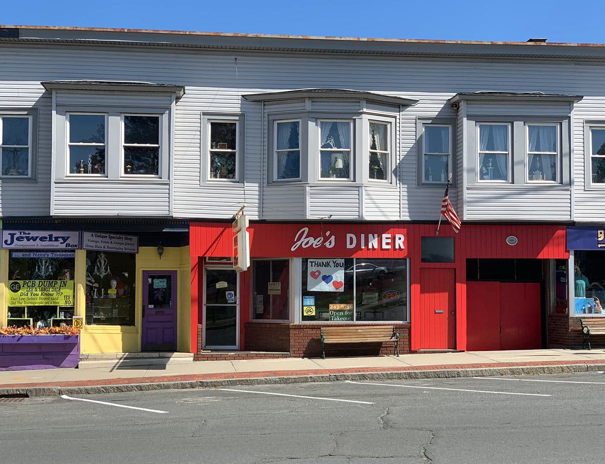 Exterior of Joe's Diner in Lee, MA