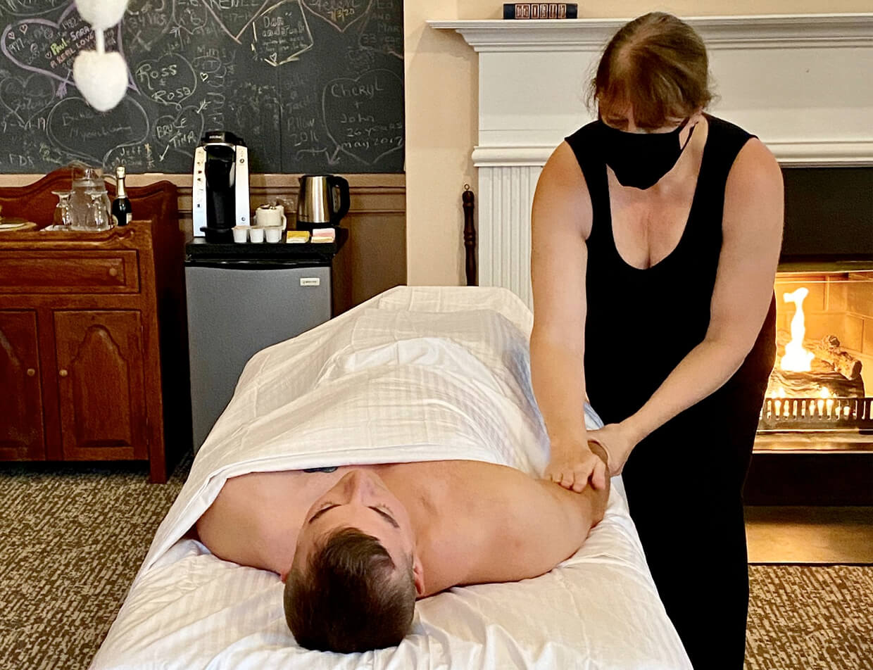 massage services with mask